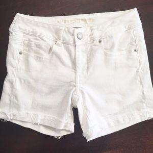 American Eagle Stretch Midi White Shorts